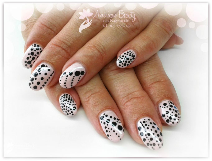 'Polka Dot Pink' - Gel Modellage mit Polka Dot Design