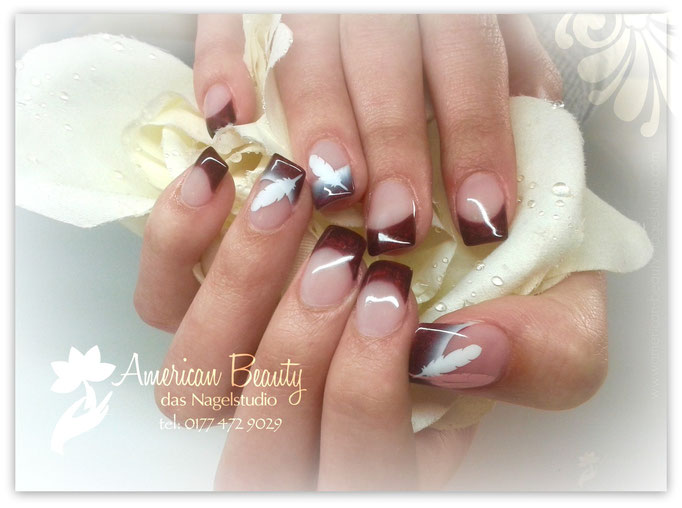 'Elegante Federn' - Neu Modellage durch Gel mit Airbrush Design