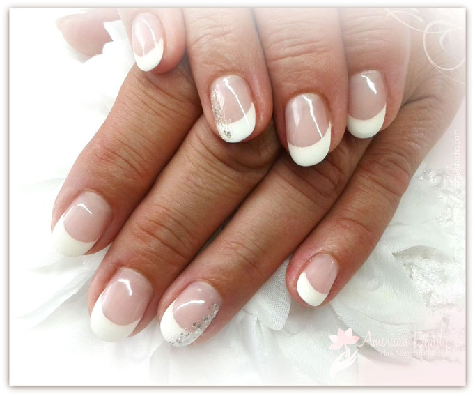 'Silber Shimmer French' - Gel Modellage mit French & Glitter Highlights