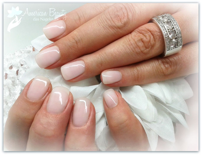 'Pretty in Pink' - Gel Modellage mit soft Baby-Boomer Effekt