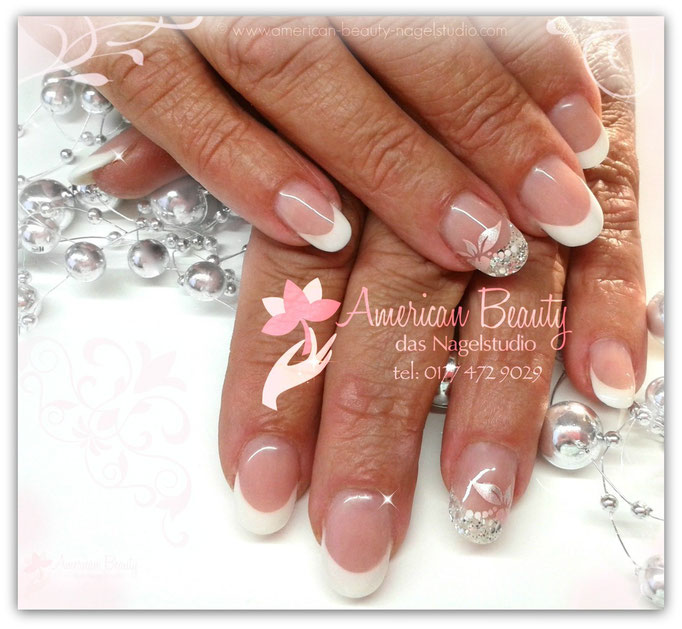 'Glamourous French' - Gel Modellage mit Airbrush Design