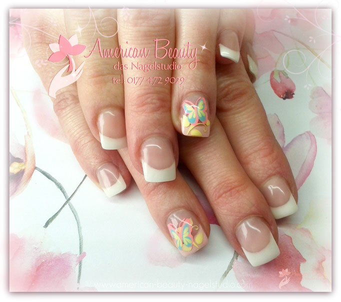 'Beautiful Butterfly' - Gel Nägel mit Airbrush Design