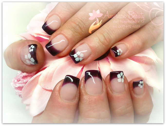 'White Flowers' - Gel Modellage mit Airbrush Design