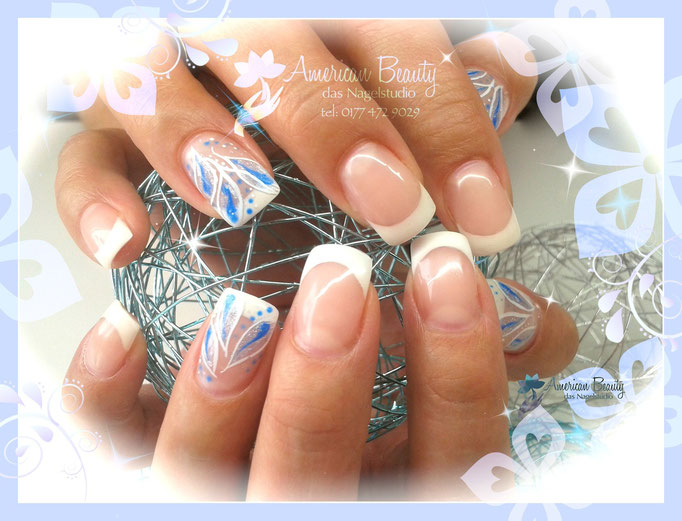 'Summertime Blues...' -  Gel Nägel mit French & kleiner Malerei