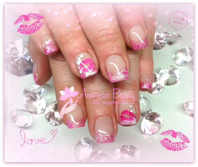 Gel Nägel:  Sealed with a Kiss- Glitzer Spitze mit Airbrush Design