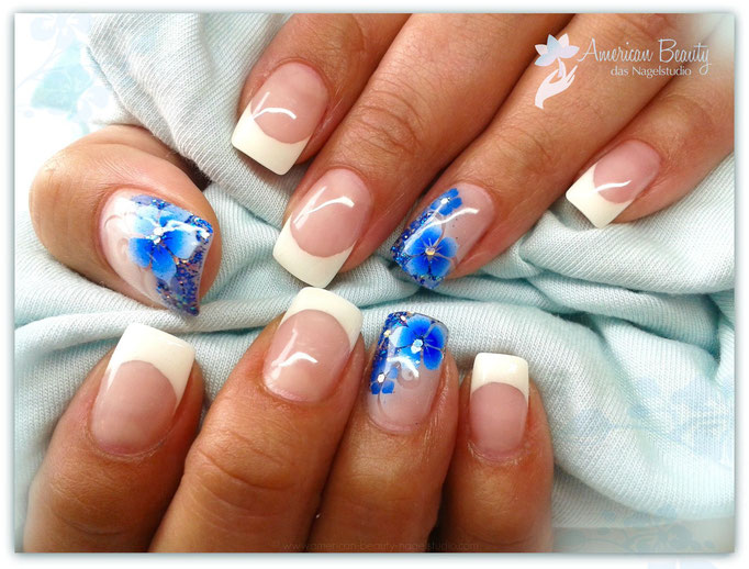'Beautiful Blue Blümchen' - Gel Modellage mit Glitzer & Airbrush Design