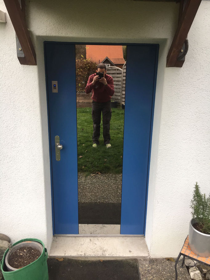Bernhof-Holz-Metalltüre mit Fingerprint und flächenbündigen Doppel.