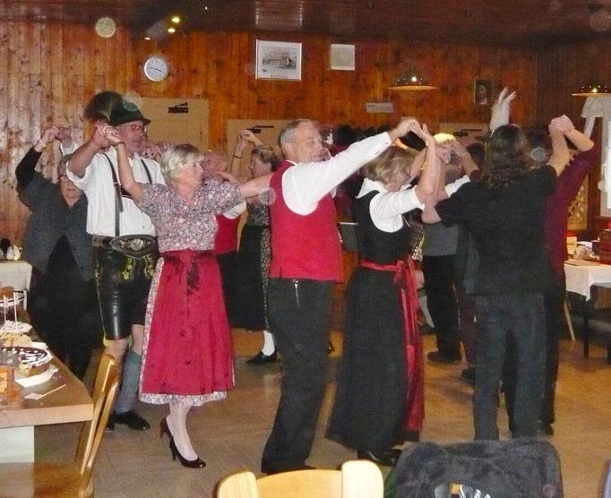 tanzen alle gemeinsam