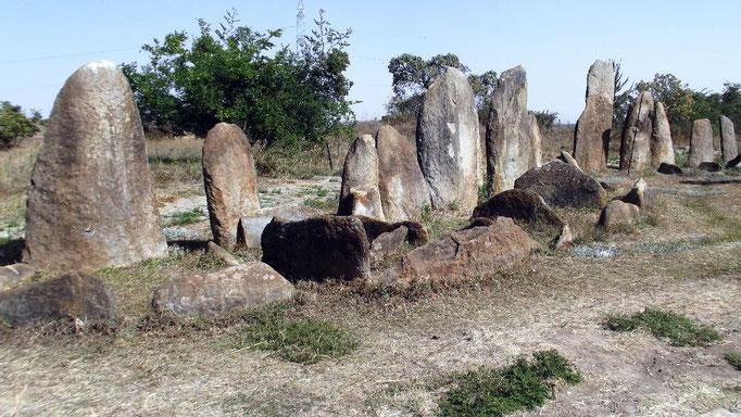 Tiya Field . Voyage Séjour Trekking et randonnée, Road trip et visite de la Région Oromia en Ethiopie.  Le cimetière de Tya