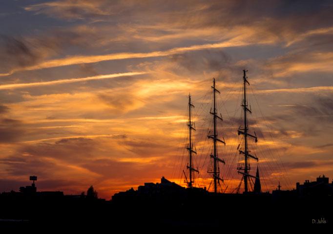 Die Mir als Sunset-Silouette