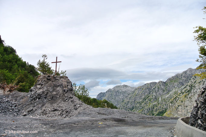 Balkan 2014 • Albanien • Theth Runde • Thore Passhöhe