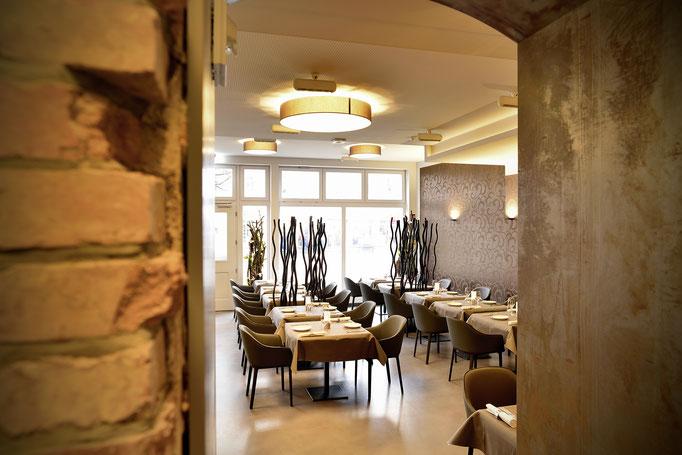Innenaufnahme, Interieur, Restaurant im Hotel Löwen Ilmenau