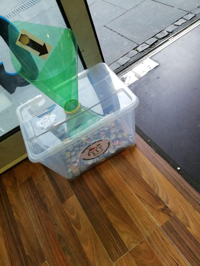 Die ersten Kisten wurden in Kiosken aufgestellt