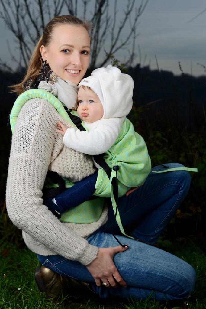 Huckepack Full Buckle Babytrage aus Tragetuchstoff
