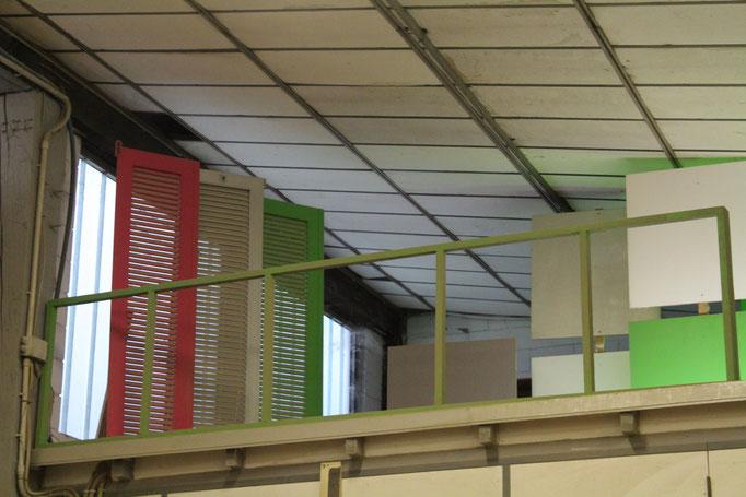 finestre colorate in esposizione
