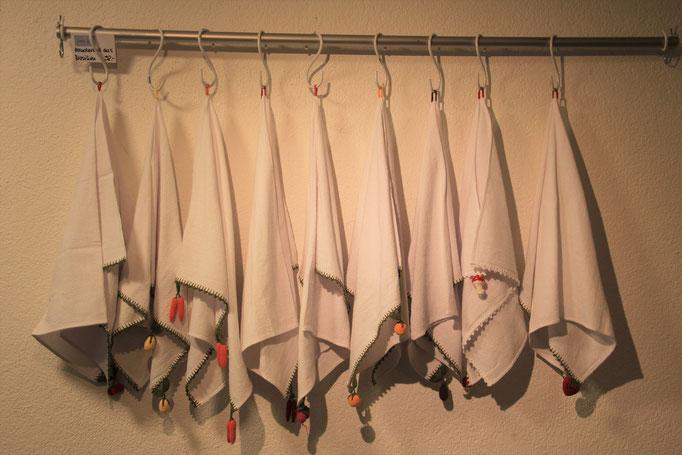 Die Handtücher werden in einem Brasilianischen Projekt hergestellt welches Frauen zur Eigenständigkeit unterstützt.