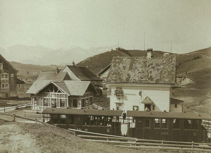 GAIS - SGA bei Haltestelle in Zweibrücken