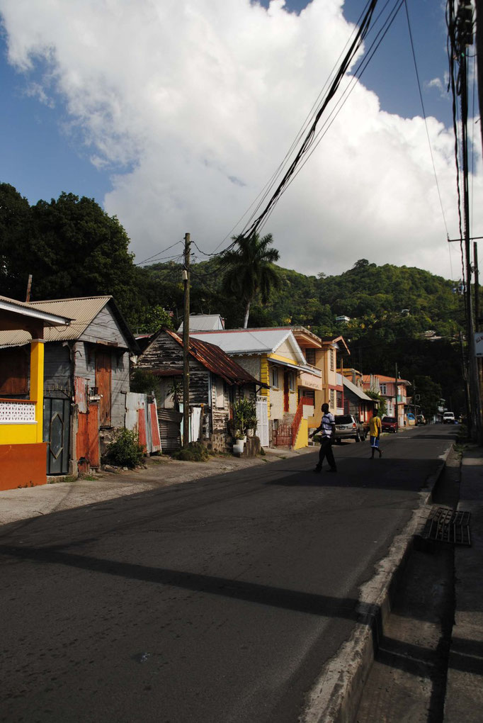 Straße nach Roseau