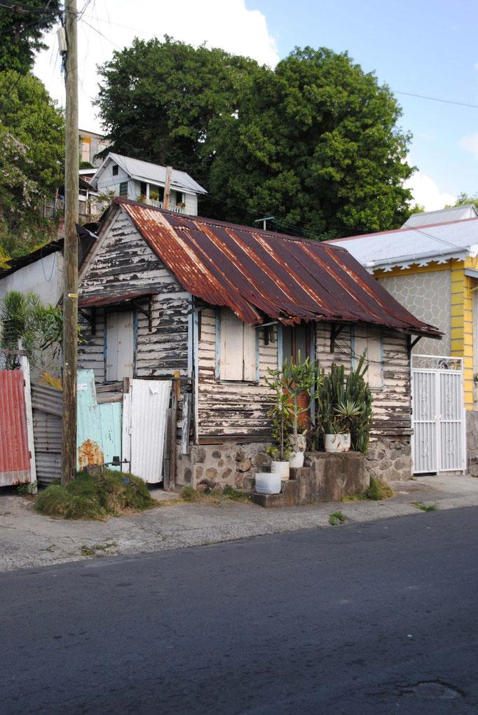 Häuschen im Vorort von Roseau