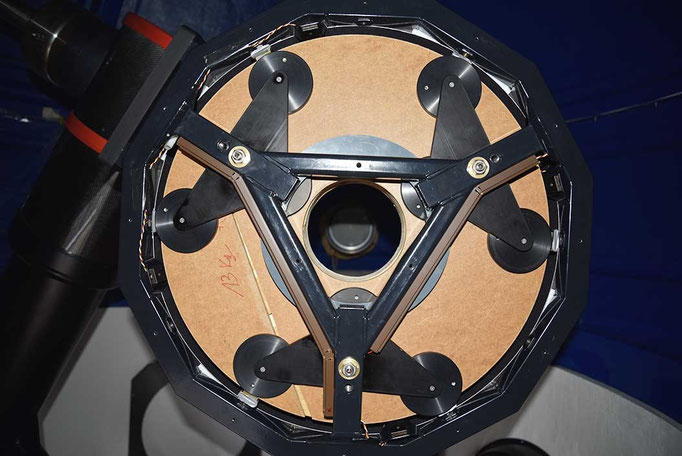 Triangular frame supporting flotation pad assemblies. The central triangular opening fits the baffle tube's triangular base plate. The latter is fastened to the base of the focuser, which is again fastened to the triangular frame.