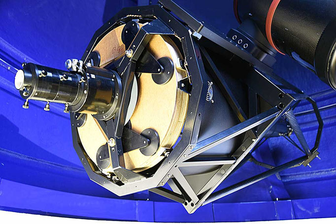 Primary mirror cage and cell with four-inch focuser and baffle tube (not visible) mounted.