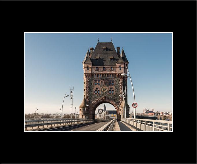 FW88 Brückenturm (Kurt Jost) [Passepartout auch in weiß möglich]