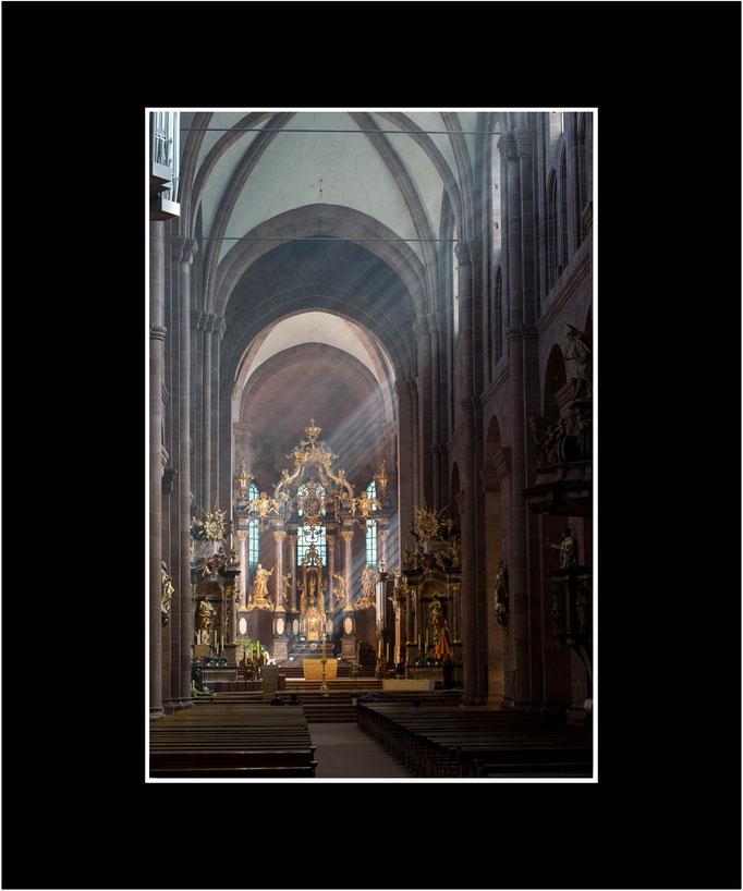 FW42 Dom St. Peter, Blick durchs Hauptschiff (Norbert Rau) [Passepartout auch in weiß möglich]