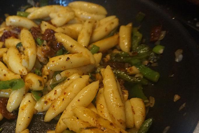 Schupfnudeln mit Paprika und Brunch  | fertig in 15 Minuten