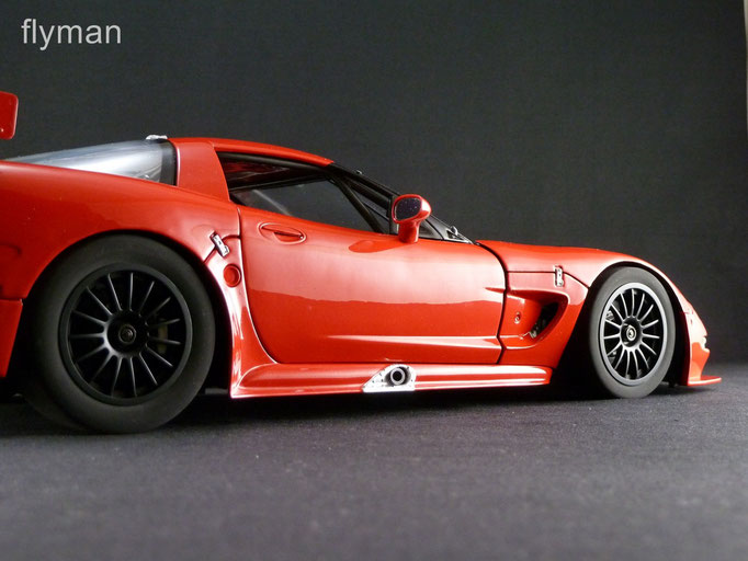 GMP 13127 - 1:12 - Chevrolet Corvette C5-R in rot