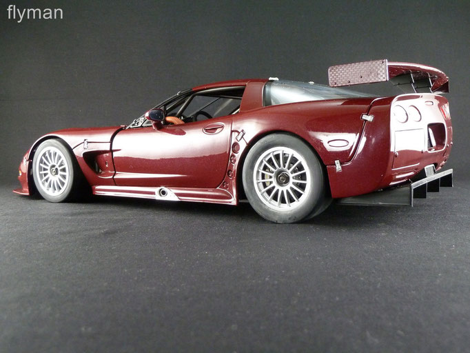 GMP 1200710 - 1:12 - Chevrolet Corvette C5-R in rubinrot metallic