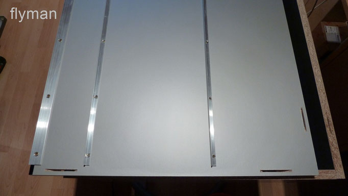 Aluwinkel zur Stabilität und für die LED-Strips