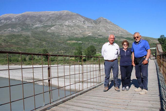 ANA San Giorgio - I nostri sul Ponte di Tepeleni