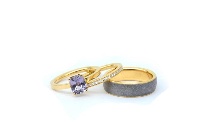 Memoire Ring, Lupenreine Brillanten, Spinell, 750/ooo RoseGold. In Zusammenarbeit mit Haudarin.