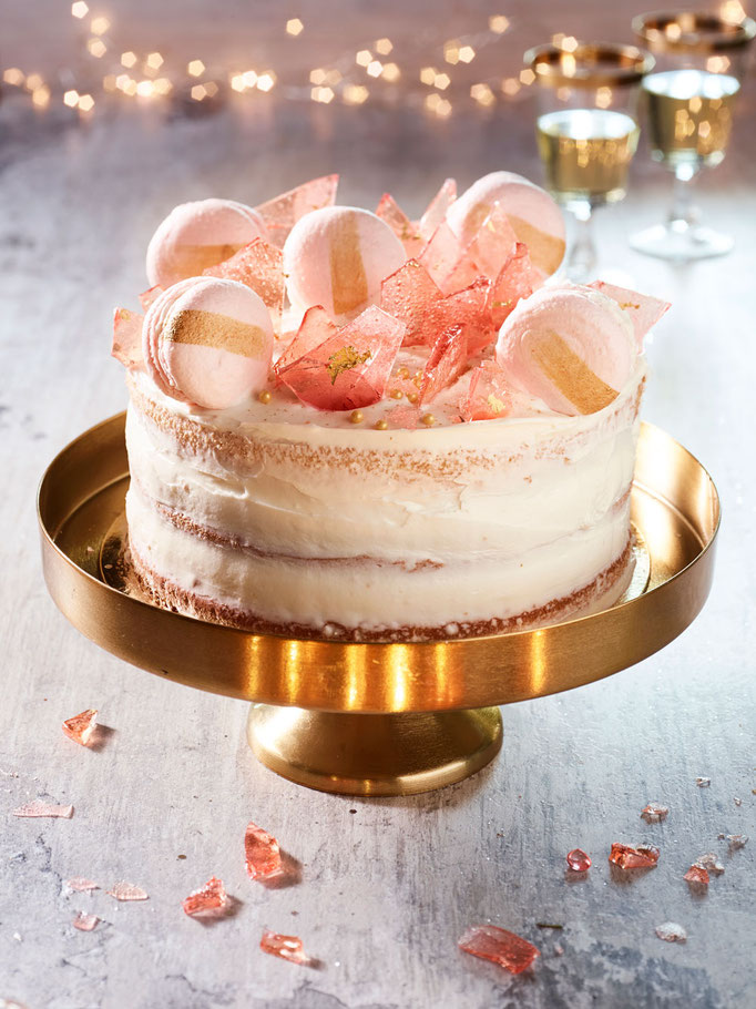 New Years Eve - Glass & Macaroon Naked Cake | Fotografie: Merel Smits