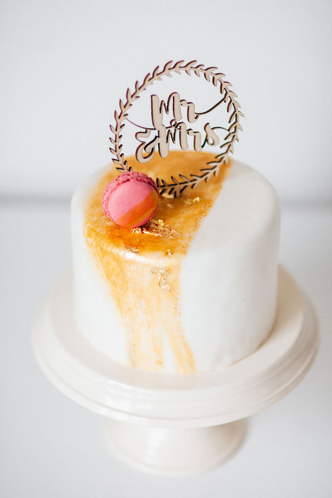 Taarttoppers - Golden Cake | Fotografie: You Are Beloved | Styling: Annamarieke van Groningen (wearegolden.nl)