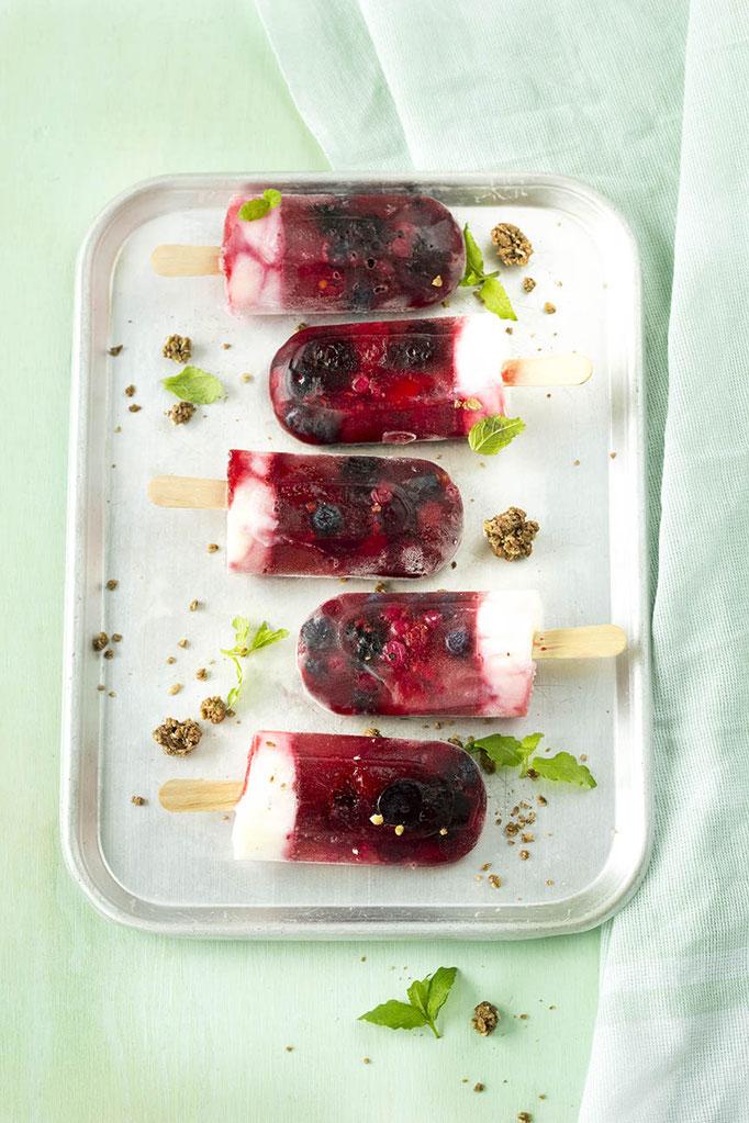 Summerfruit - Bosvruchten-Yoghurt IJs   Fotografie: Carola Doornbos