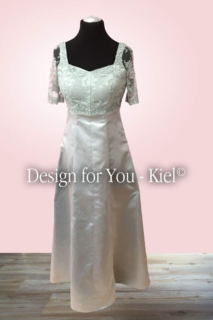 Brautkleid Anke vorn - © Design for You - Kiel