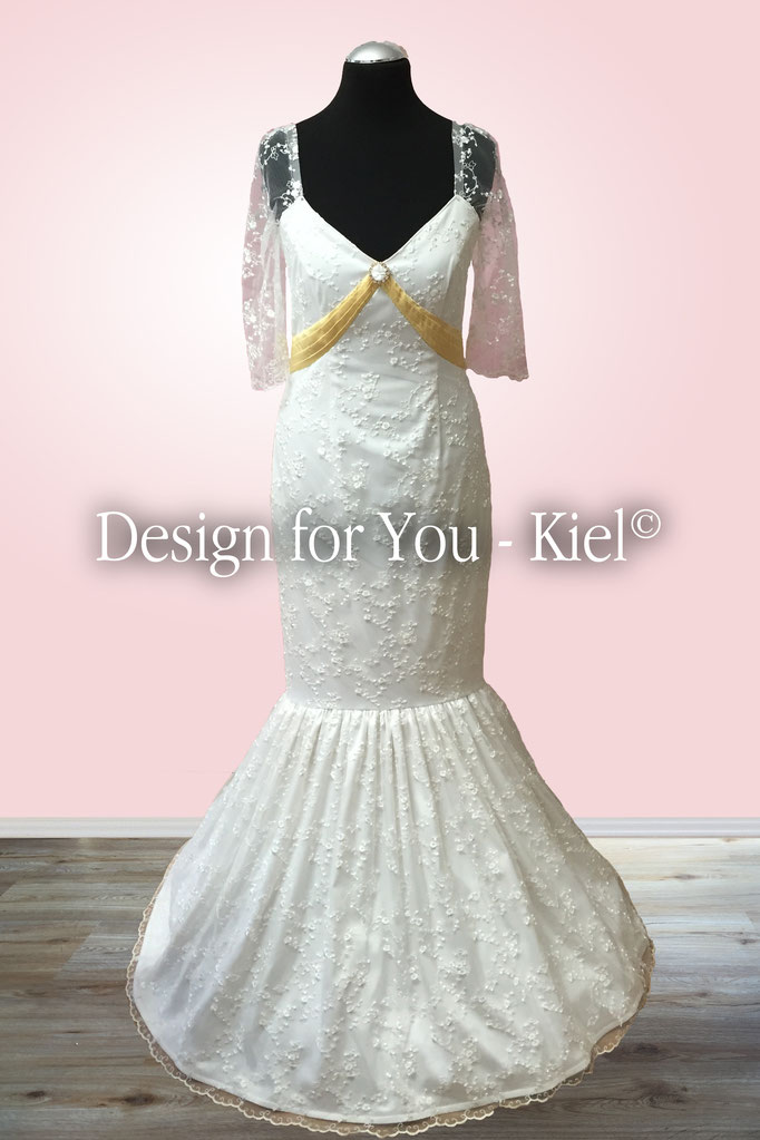 Brautkleid Mirka vorn - © Design for You - Kiel