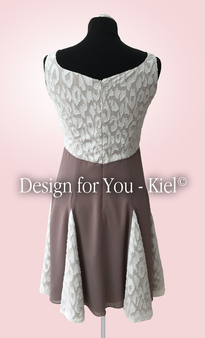 Brautkleid Inken hinten - © Design for You - Kiel