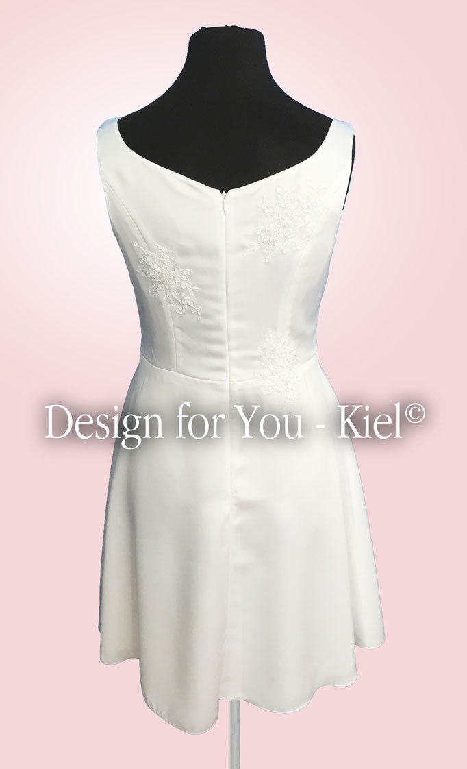 Brautkleid Signe hinten - © Design for You - Kiel