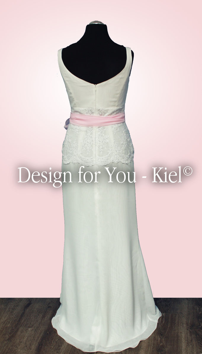 Brautkleid Jaqueline hinten - © Design for You - Kiel