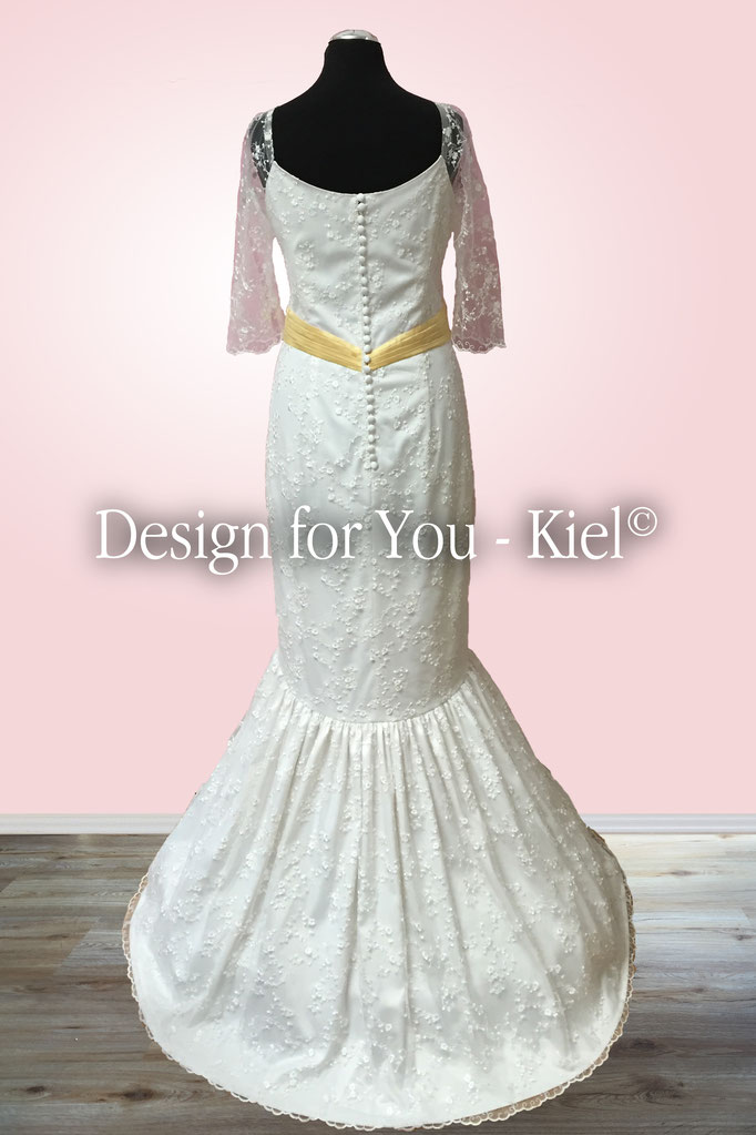 Brautkleid Mirka hinten - © Design for You - Kiel
