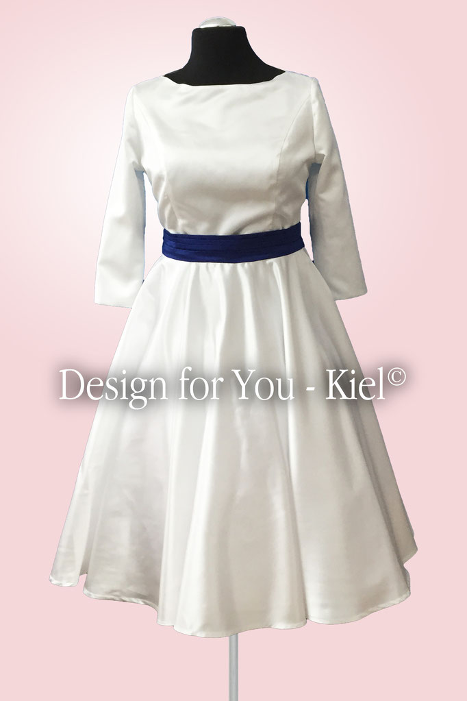 Brautkleid Sibylle vorn - © Design for You - Kiel