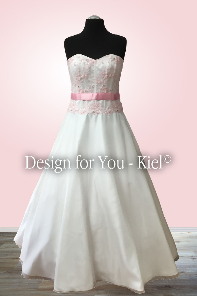 Brautkleid Nathalie - © Design for You - Kiel