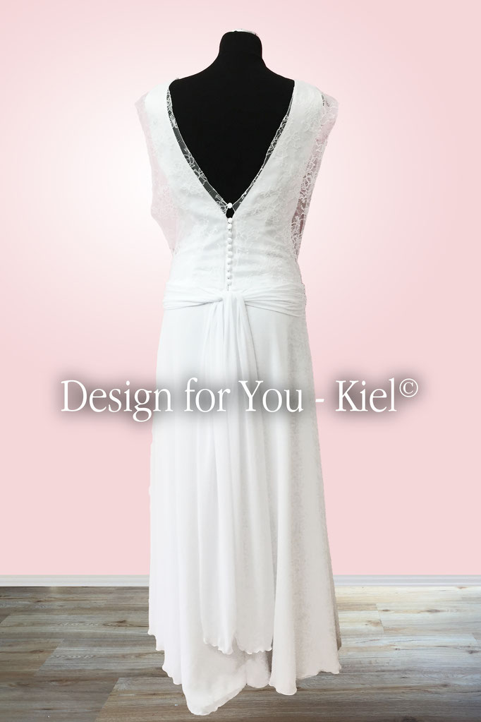 Brautkleid Natia hinten - © Design for You - Kiel