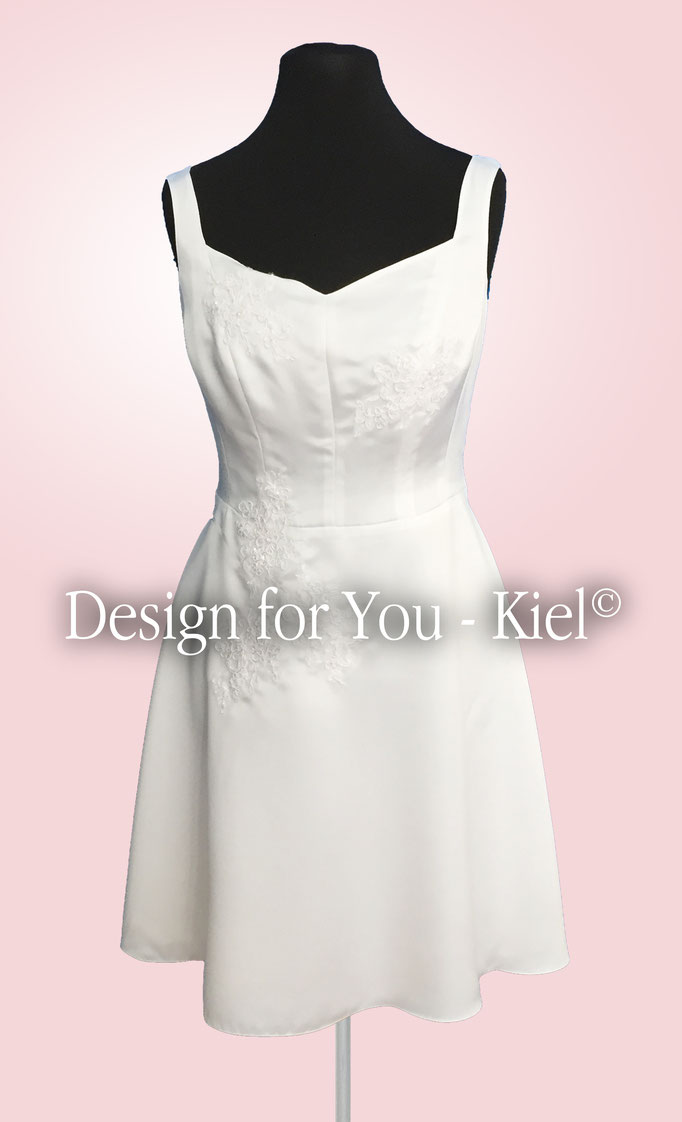 Brautkleid Signe vorn - © Design for You - Kiel