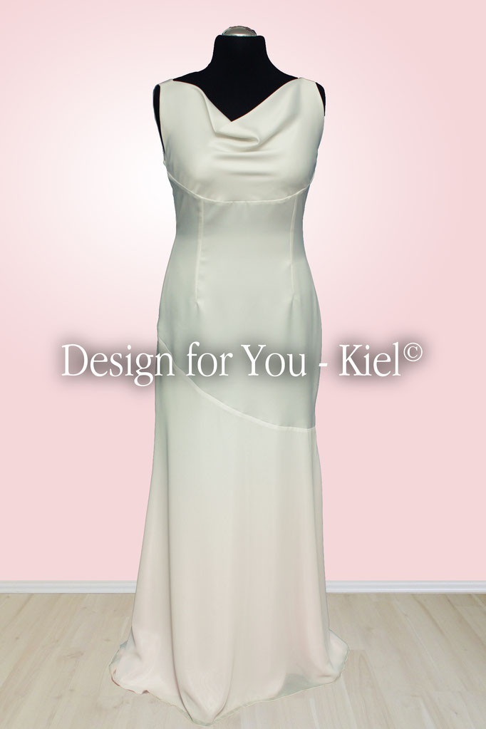 Brautkleid Friederike vorn - © Design for You - Kiel