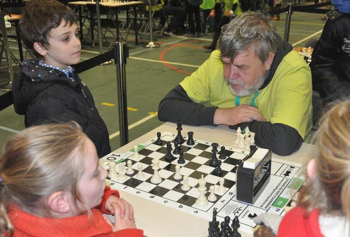In de pauze's bijleren van echte schaakmeesters