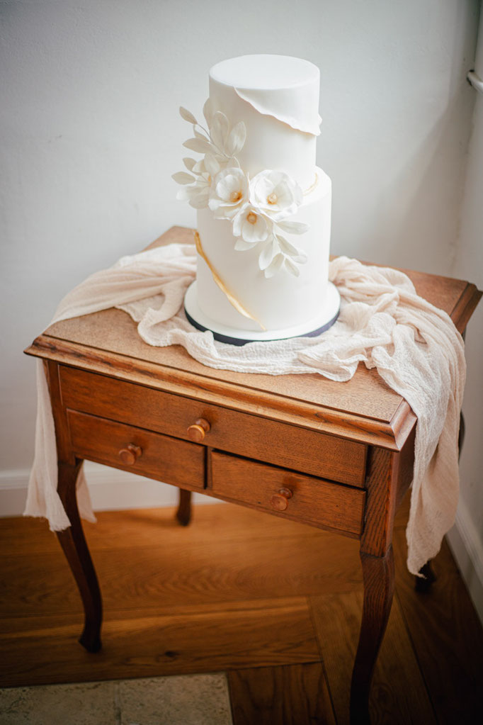 Hochzeit Hochzeitsfotograf Norddeutschland Fineart Greenery Hochzeitstorte