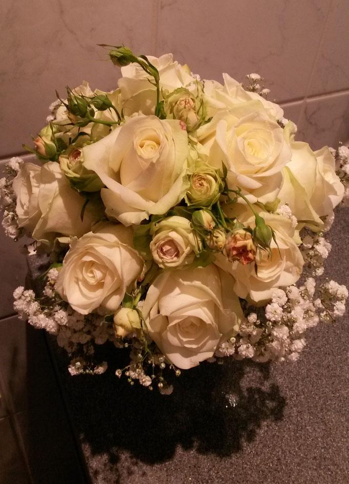 Runder Brautstrauß